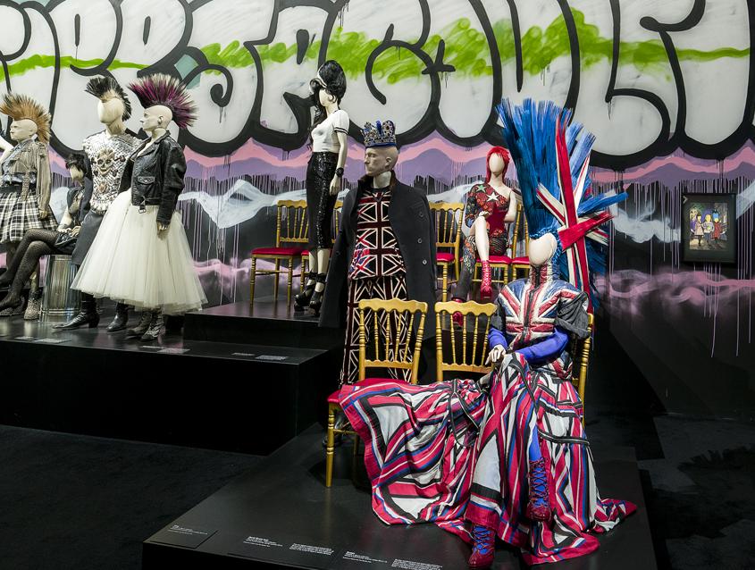La planète mode de Jean Paul Gaultier à la National Gallery of Victoria, Melbourne. Photo Garry Sommerfeld