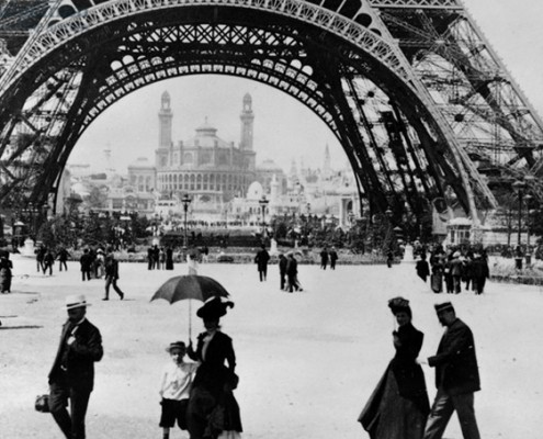 Photographer unknown, France, Looking through the base of the Eiffel Tower to the Trocadero and Colonial Pavilions, 1900 Exposition Universelle, Paris, 1900, black-and-white photograph. The Bridgeman Art Library, The Stapleton Collection, Private collection
